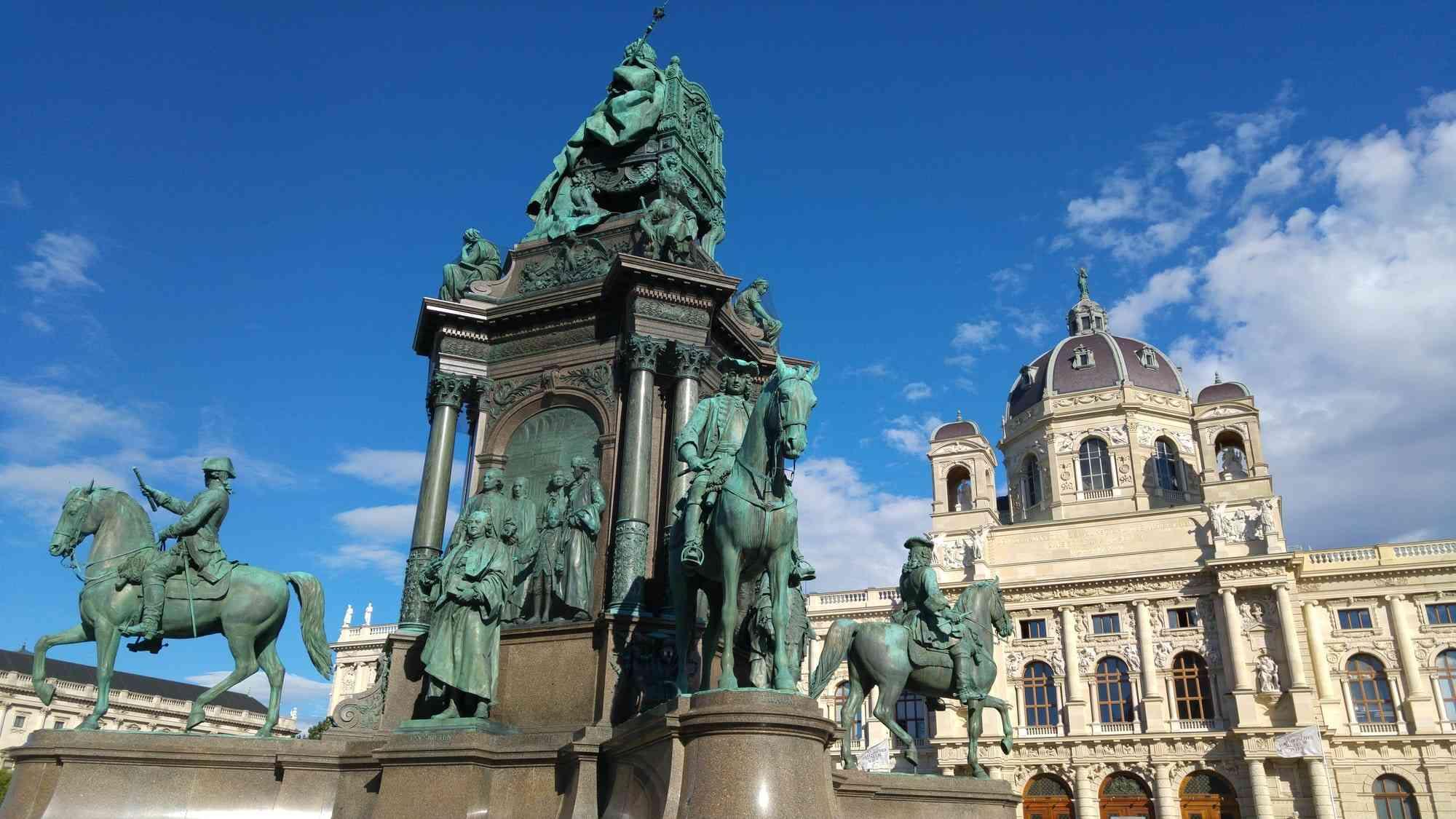 Museumsplatz - Maria Theresia