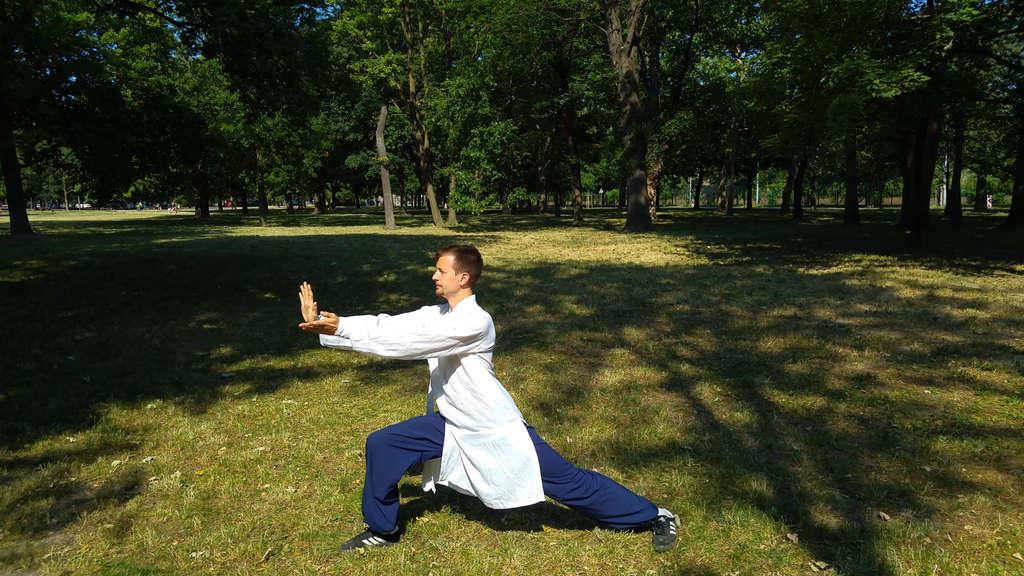 Ba Duan Jin Qi Gong – Second Movement