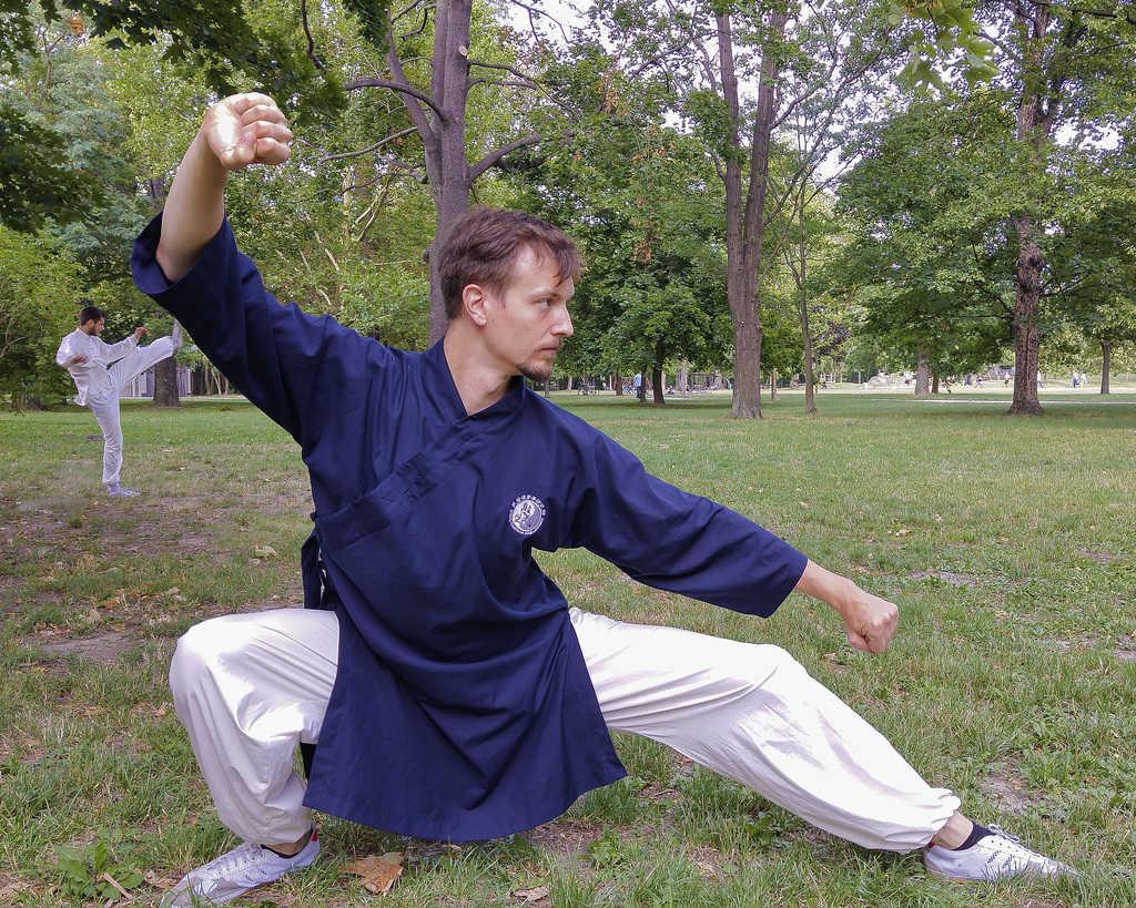 Daoist Uniform Blue 3/4 Sleeves and Elastic White Pants