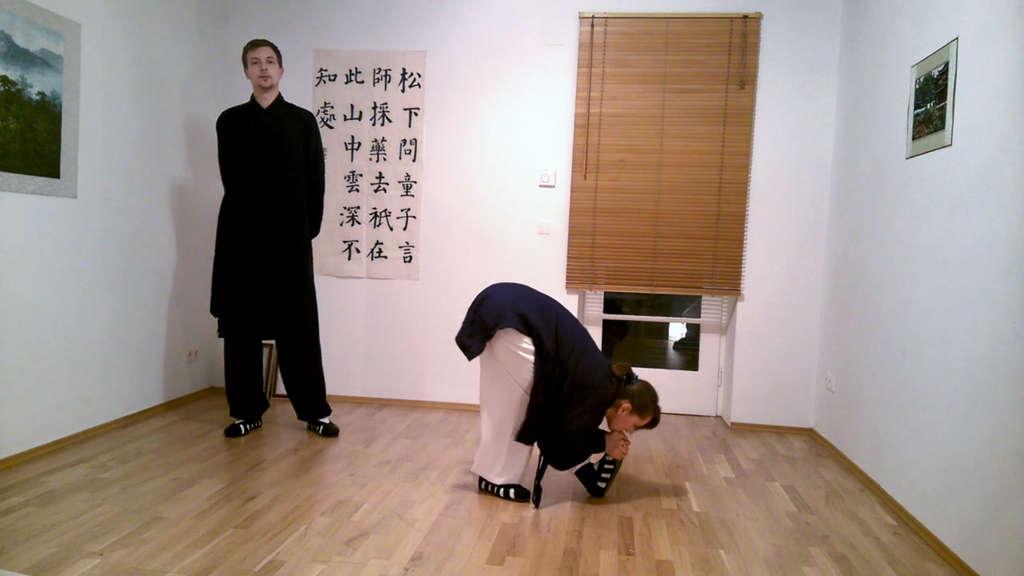 Chin to Toe Beginner Stretching