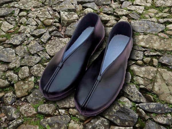Elegant Daoist Leather Slippers Black