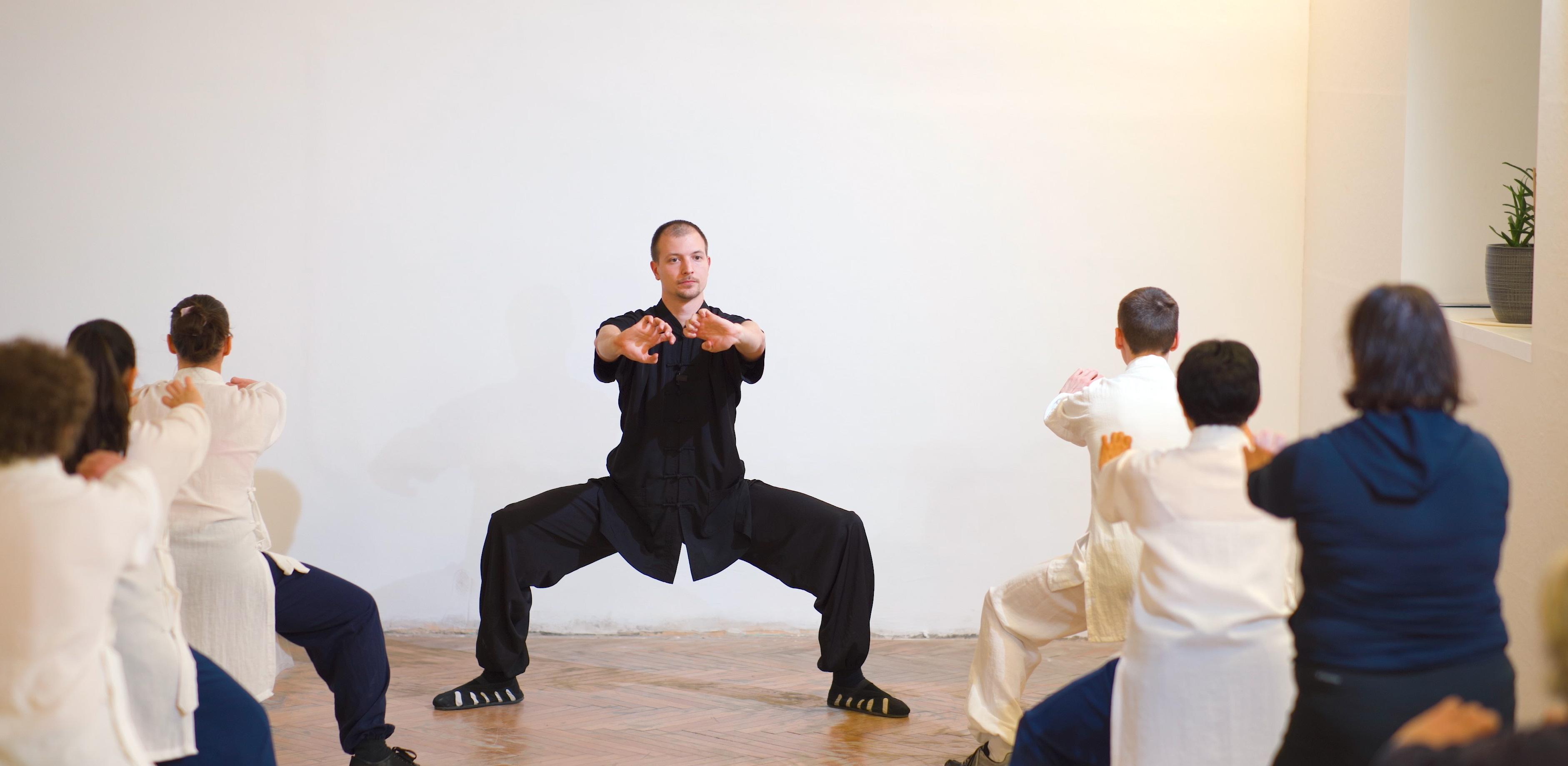 Breathing Rythm & What is Qi? Full Qi Gong Class