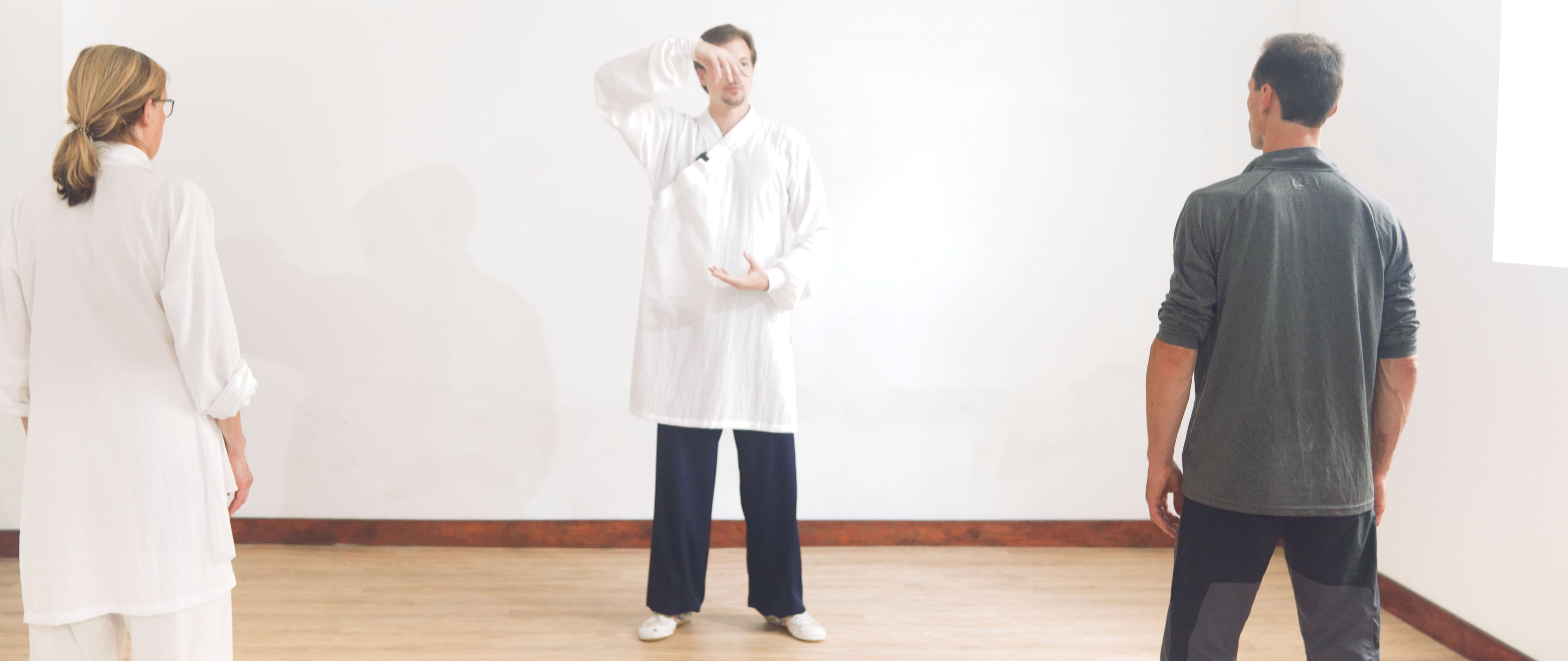 Using Ba Duan Jin to Stretch the Spine Correctly